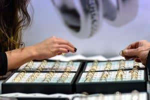 Real or Fake: Seven questions you should ask before buying jewellery. 2