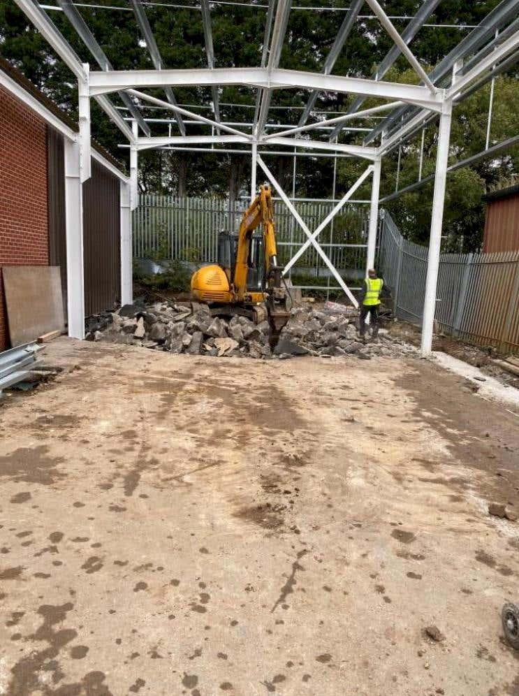 building work starts on metals4U new aluminium warehouse